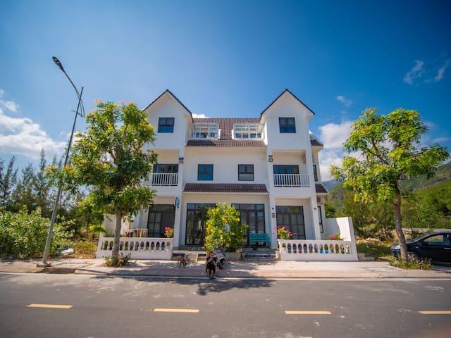 H2B Homestay Bai Dai Beach _Room# 103