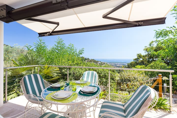 Beautiful appartment sea view - near Cannes