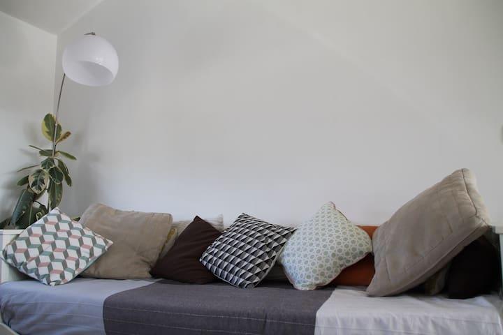 Canapé pour 1 ou 2 personnes - La Roche-Bernard - Appartement