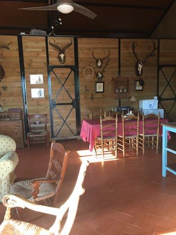 Casa de madera con cuadra en Doñana - Villamanrique de la Condesa - Rumah
