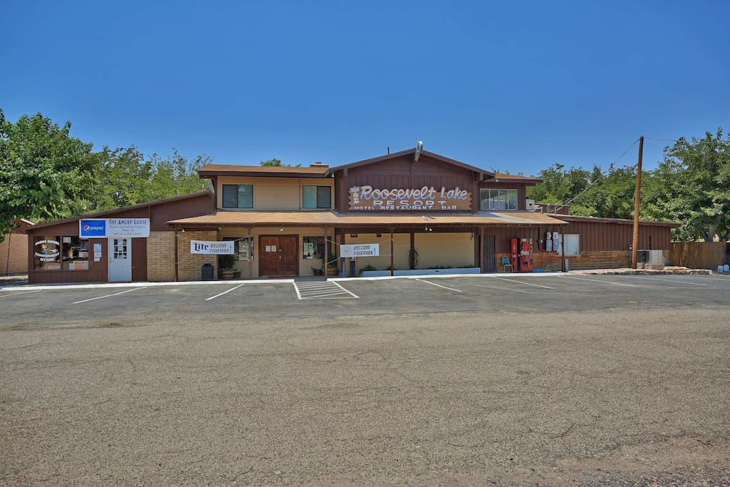 Roosevelt Lake Resort and Motel Restaurant and Bar as well as a small convenient store