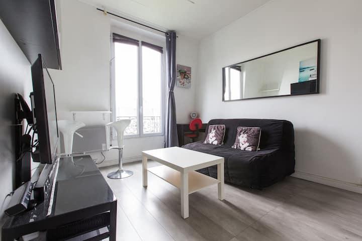 Beautiful comfortable bright Studio Paris Montmart