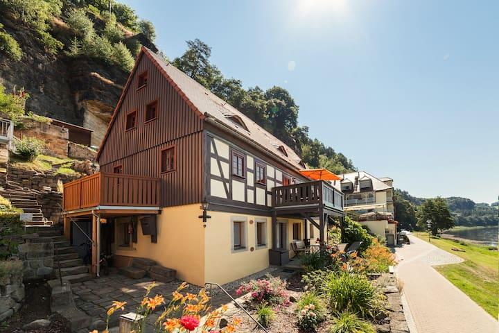 Ferienwohnung Elbjuwel mit Kamin und Elbblick - Rathen