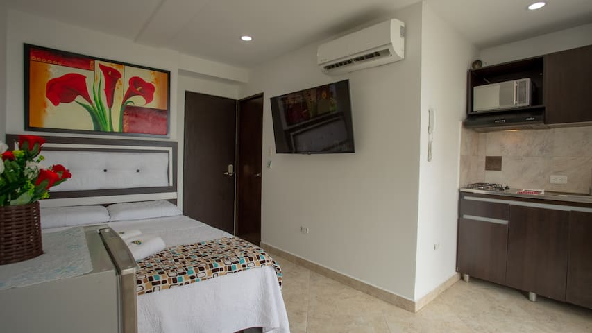 Hollywood Beach Suite 306