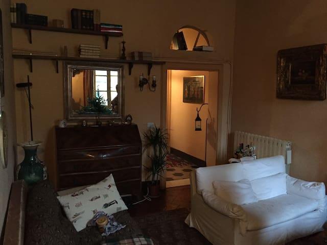 Camera in pieno centro Pietrasanta!