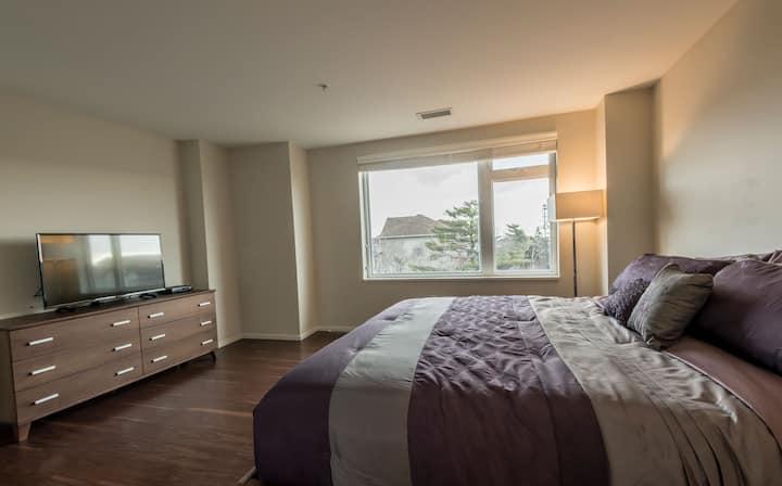 Spacious & Stylish 3 Bedroom Apartment