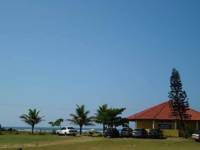 Casa Chalé em Itanhaém a 50 mts da praia Cibratel!