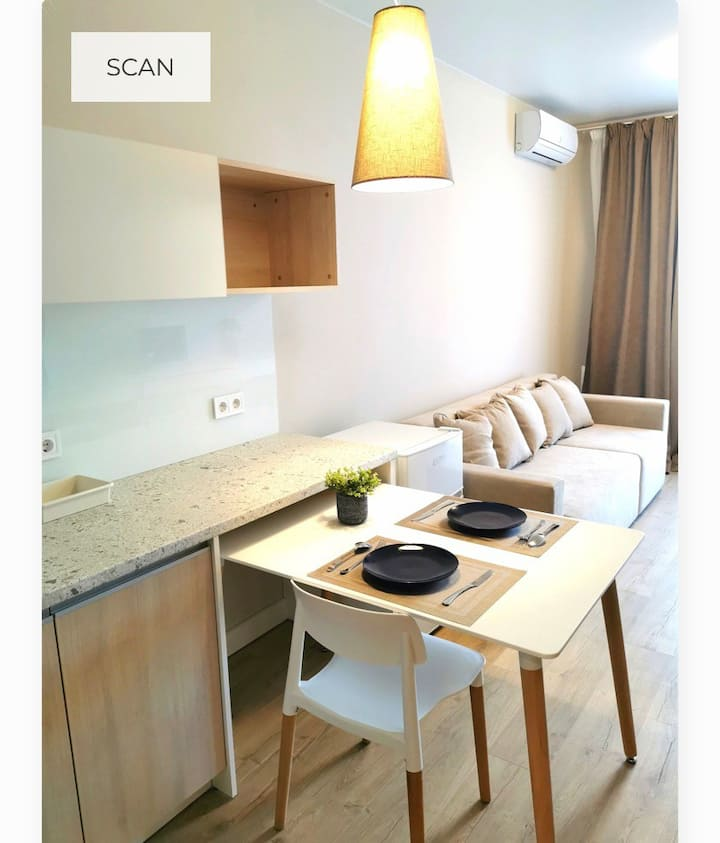 All in one Apartment 50 m to the subway Park,cafe