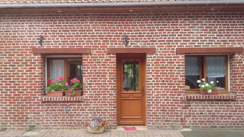 petite maison tout confort, à la campagne