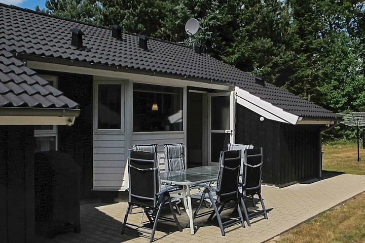 Luxurious Holiday Home in Hals Jutland With Whirlpool