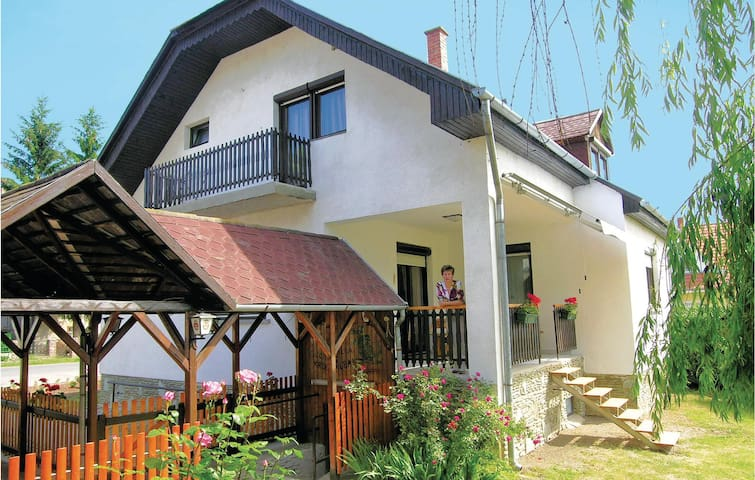 Holiday cottage with 4 bedrooms on 160m² in Gór