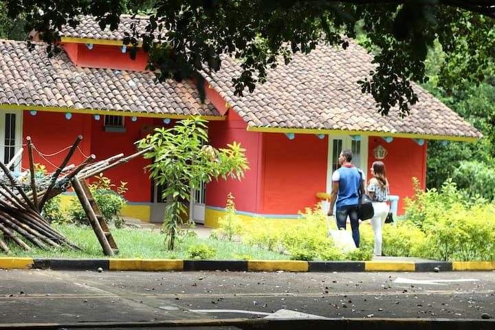 Eco Hotel El Castillo Pance