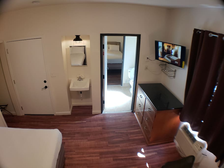 Room w/ view of Jack and Jill Bathroom and Adjacent Room #14- great for groups and families!