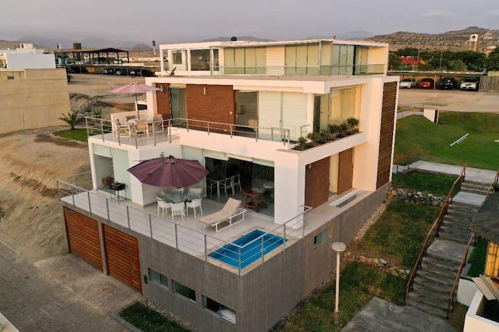 Casa playa sur de Lima, 100 metros de Punta Rocas
