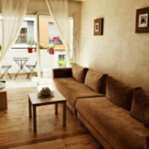 Very Nice Cosy apartment balcony Maarif