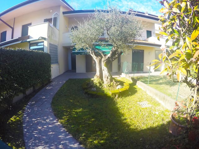 VILLA FLAVIA - Caorle - บ้าน