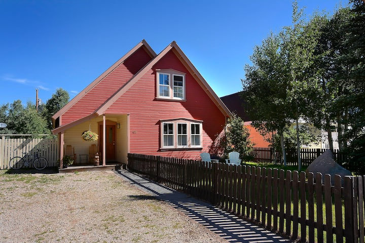 Cozy Crested Butte 3 bdrm home, perfect location!
