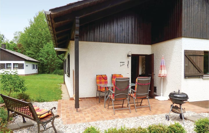 Awesome home in Thalfang with WiFi and 2 Bedrooms