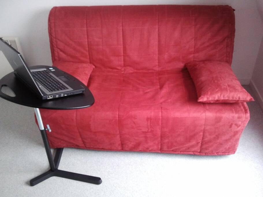 Canapé BZ + petite table