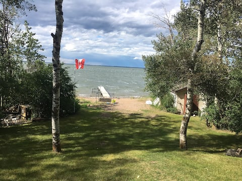 Lakefront Cabin Paradise, private beach