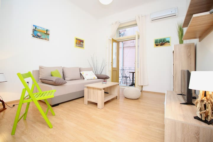 Great location and cozy Apartment Madonnina