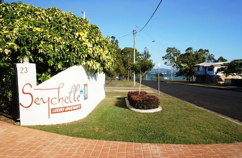 Seychelle Apartment by the Bay