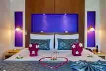 Comfy and romantic bedroom