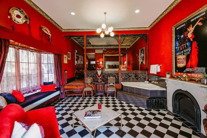 Casuarina Estate - Themed Spa Suite Moulin Rouge