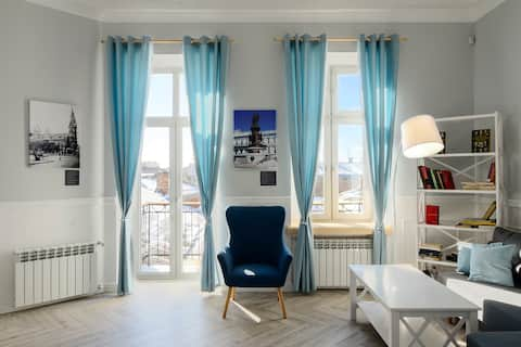 Apartment with balcony in the historic city center