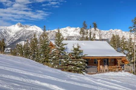 Cowboy Heaven Cabin 15 Rustic Ridge