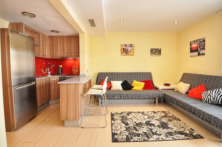 Apartment 130m from the beach, with air conditioning/heating, balcony, wifi, A139