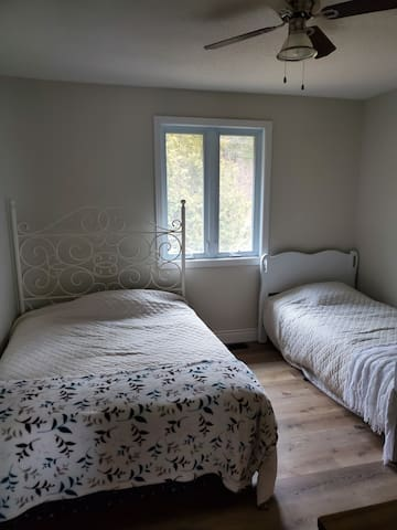 Bedroom 2: Double and Single