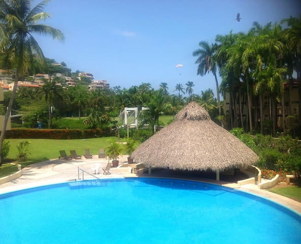 Condo on the Beach beside the Golf Course - Ixtapa