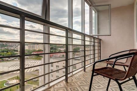 Апартаменты с панорамным видом на Центр.