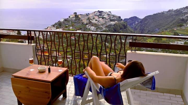 RAVELLO HILL, stunning mountains trails to Amalfi
