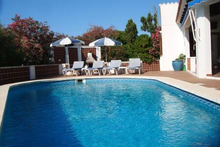 Casa Pia - a beautiful villa set on top of a hill - Mahon - Villa