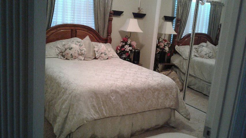 Restful sleep in this extra comfortable queen size bed