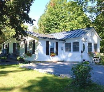 The Little House Vermont - Brandon - Haus