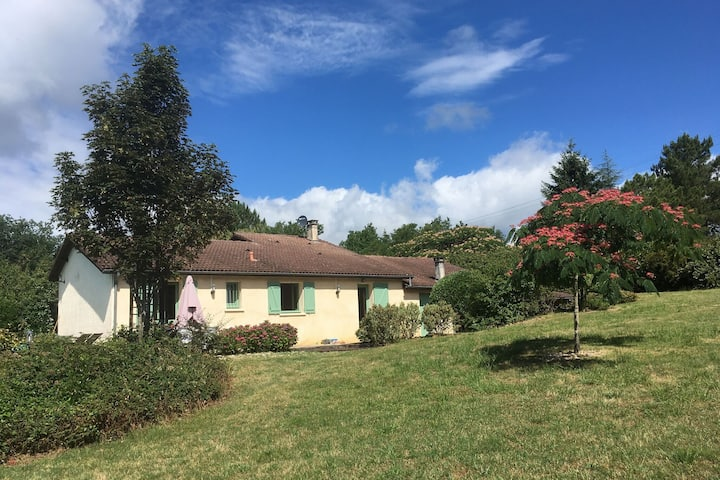 Cozy Villa in Boissières with Swimming Pool