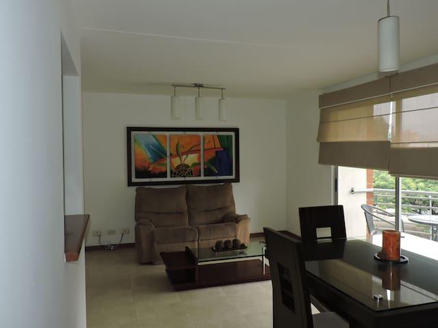 Gran Ubicación y Acogedor Apartamento Cali