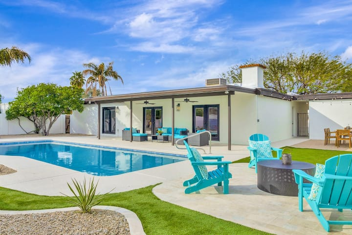 New! Modern Private Home, Pool & Mountain views!