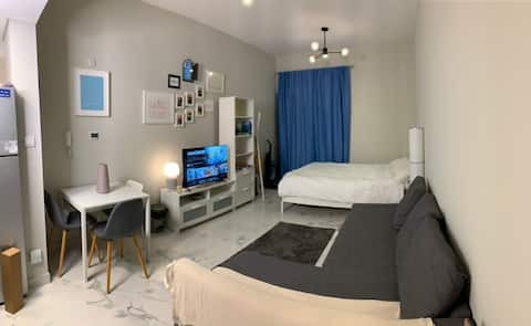 Lovely Studio. 7  minutes away from EXPO by car.