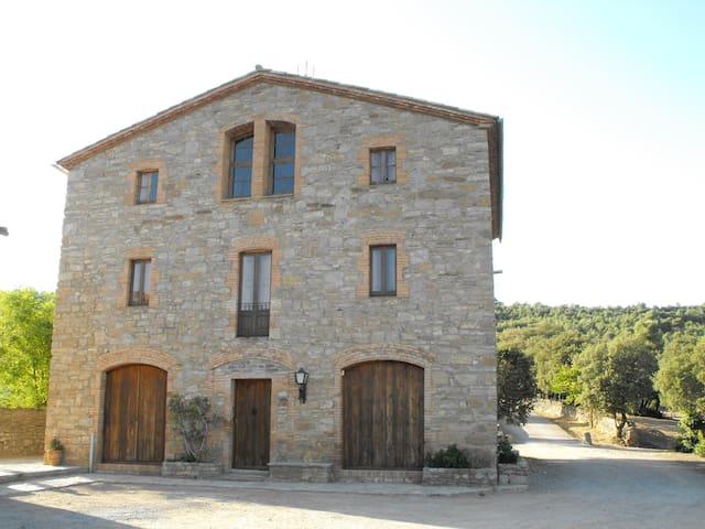 Casa rural a 80km de Barcelona - Sant Mateu de Bages - Casa