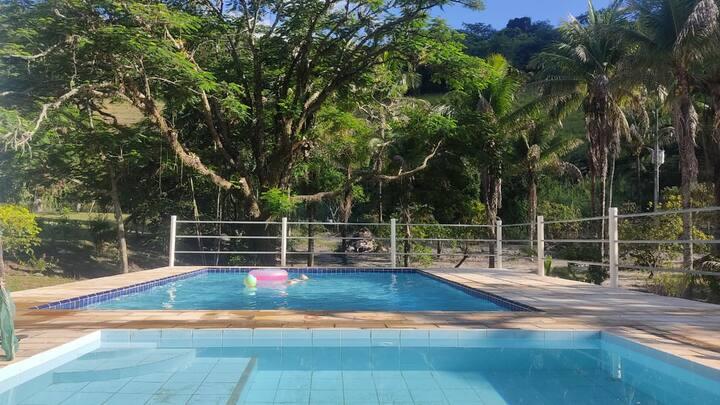 Casa do Sabiá! Simplicidade, verde Wi-Fi, piscina