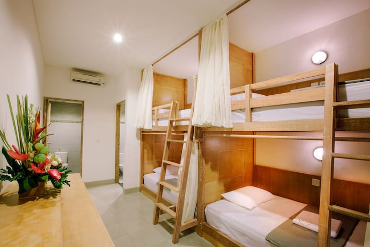 LOKAL BALI HOSTEL 4 BED MIXED - 1 PAX - South Kuta - Dormitorio