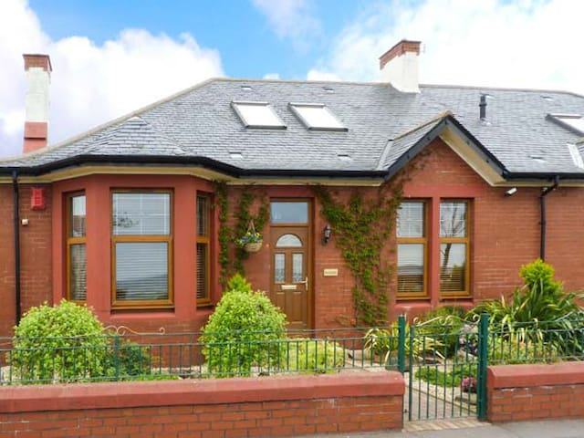 ROCKVILLE, family friendly, with a garden in Leven, Ref 911872