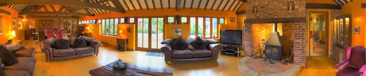 Courtyard Barn - Holiday Rental