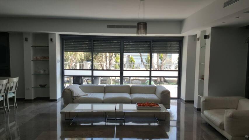 Mesila street house. - Herzliya - House