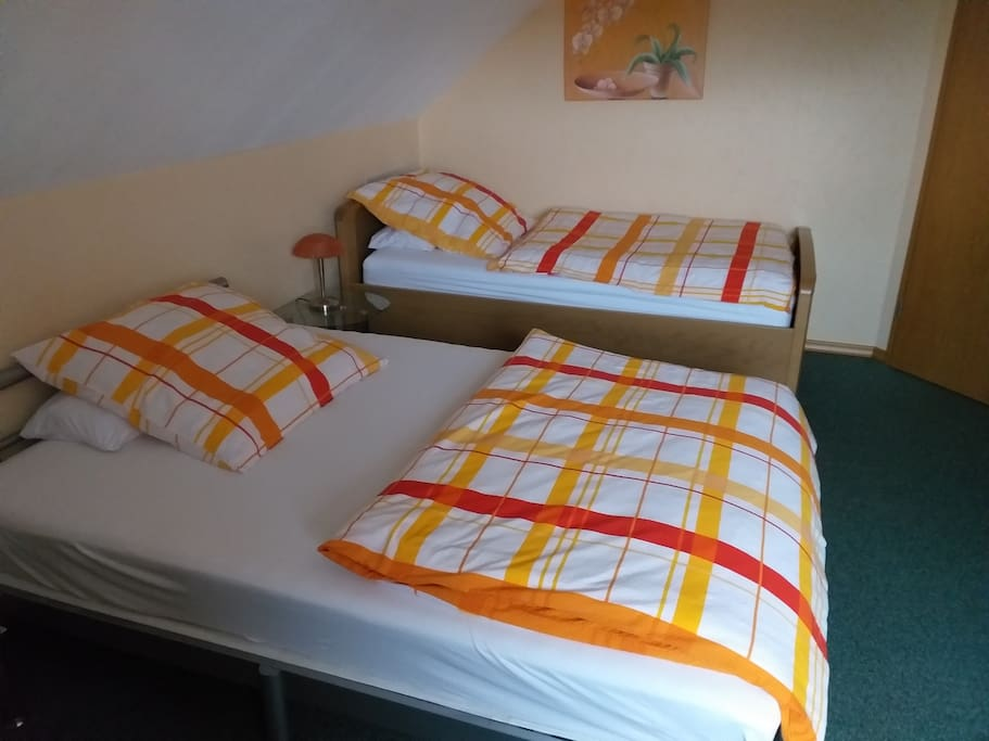 2 Einzelbetten,  1x2 m und 1,40x2 m
