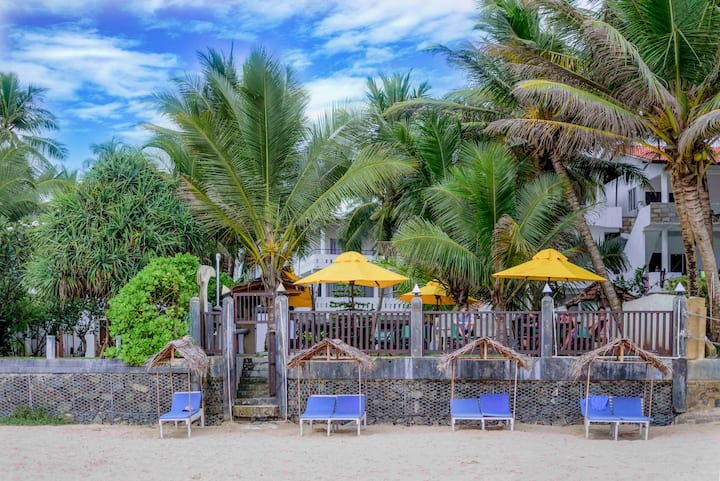 Tharanga Surfing Villa Balcony Room with Sea view